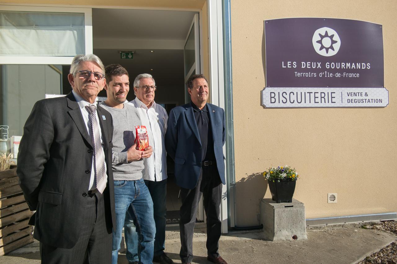 Poissy une all e de producteurs yvelinois au salon des for Salon du vin toulouse 2017