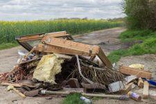 Carrières – Triel : dans la plaine, les ordures continuent de s'accumuler