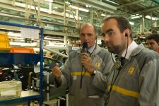 Le secrétaire d'État souhaite développer la voiture électrique