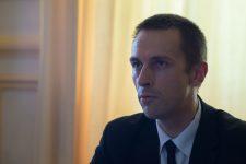 La grève reconduite, le maire FN refuse de s'engager