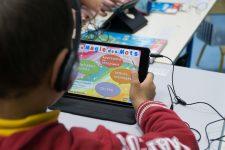 A l'école, l'apprentissage  par tablette utilisé en complément  des méthodes traditionnelles