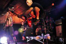 Concert punk rock au Cac Georges Brassens