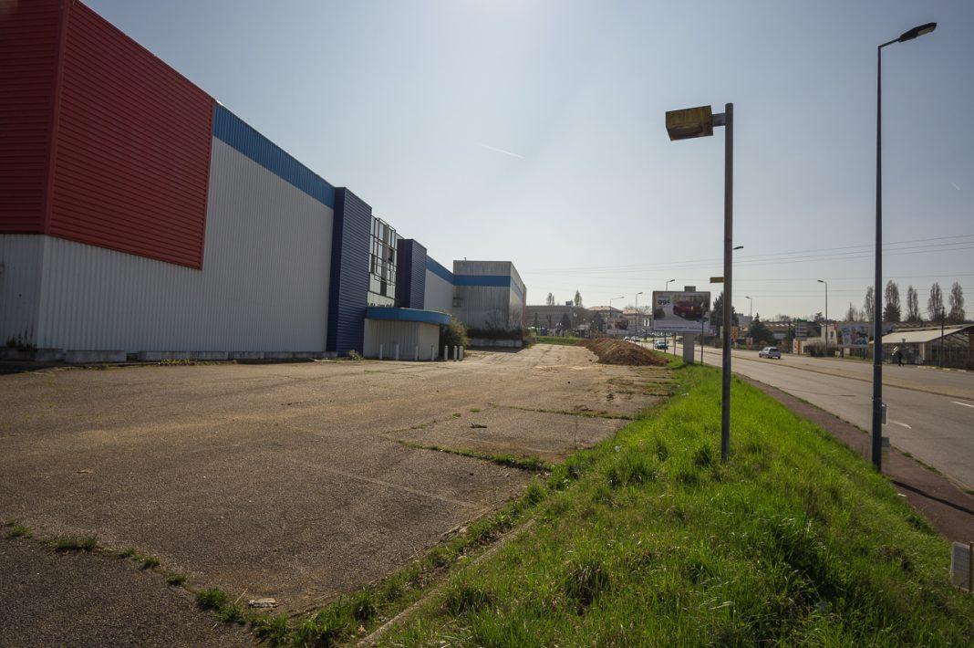 Magnanville - Trois immeubles et un Lidl à la place de l'ex