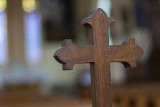 A la fin de la messe, il menace «d'égorger» les fidèles