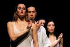 «Crossroads to Synchronicity»  de la célèbre chorégraphe Carolyn Carlson