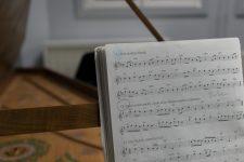 Qui composera l'hymne de la communauté urbaine ?