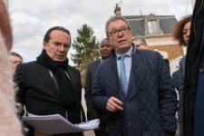 Pierre Bédier visite le futur chantier du centre-ville et défend sa politique