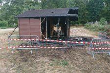 Le cabanon du parc de la Charmille incendié