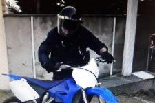 Au guidon d'une moto-cross, il fonce sur les policiers municipaux