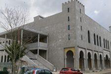 Mosquée : l'ex-président blanchi par la justice, son successeur poursuivi
