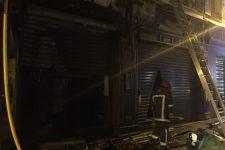 Poubelles incendiées, deux familles évacuées