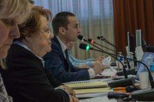 L'ancienne maire PS reproche au maire RN de trop recruter