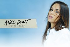 Amel Bent rend hommage à Charles Aznavour