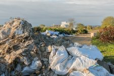 Plaine des déchets: du collectif àl'association