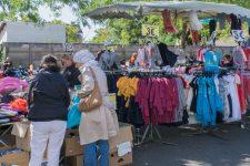 Le marché du jeudi retrouve la place delamairie