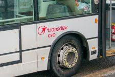 Des projectiles lancés sur un bus vide