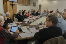 Bonne entente de façade, divisions en sous-marin au conseil municipal